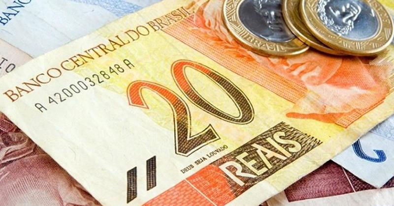 Salário mínimo é fixado por Bolsonaro em R$ 998