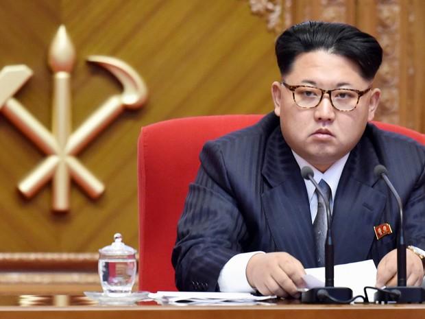 """A """"utopia socialista"""" da Coreia do Norte necessita de trabalho em massa e uma economia de mercado crescente ameaça esse projeto"""