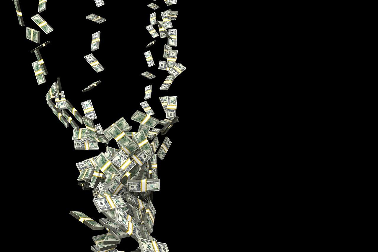 Rápida queda do real frente ao dólar deixa comércio brasileiro em estado de alerta