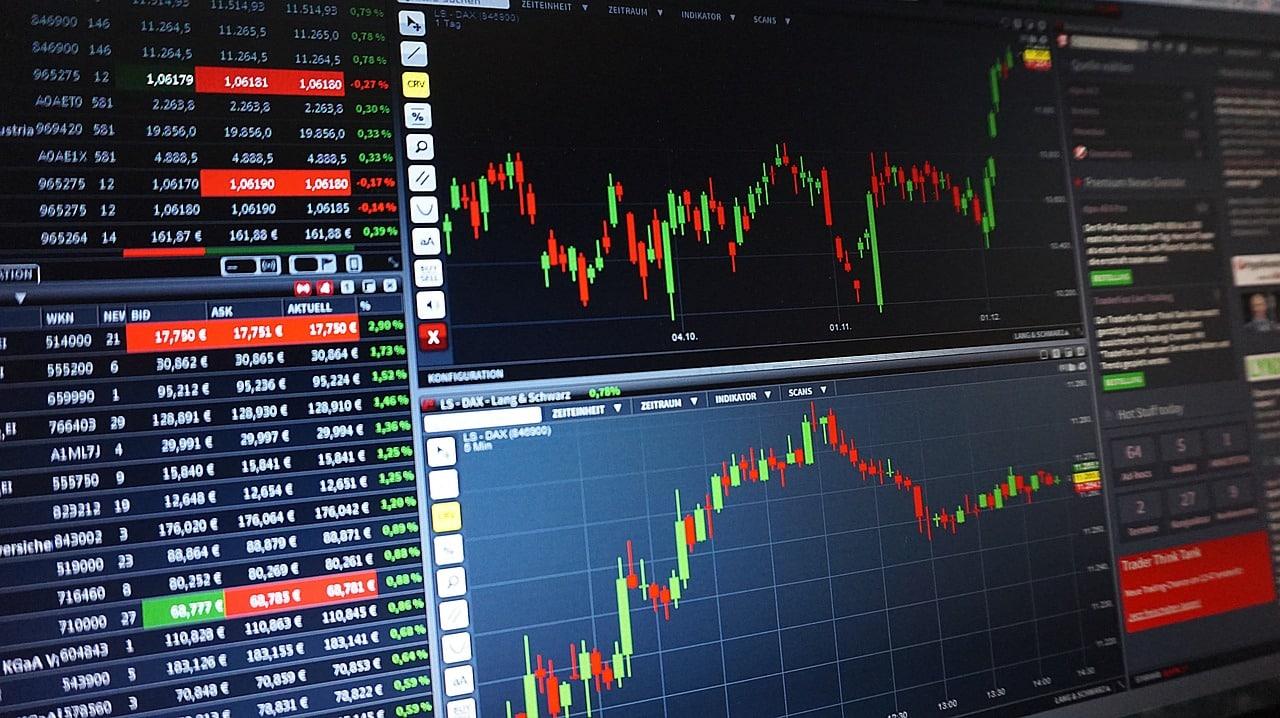 As tensões comerciais pesam sobre as ações enquanto os mercados aguardam o veredito do Fed